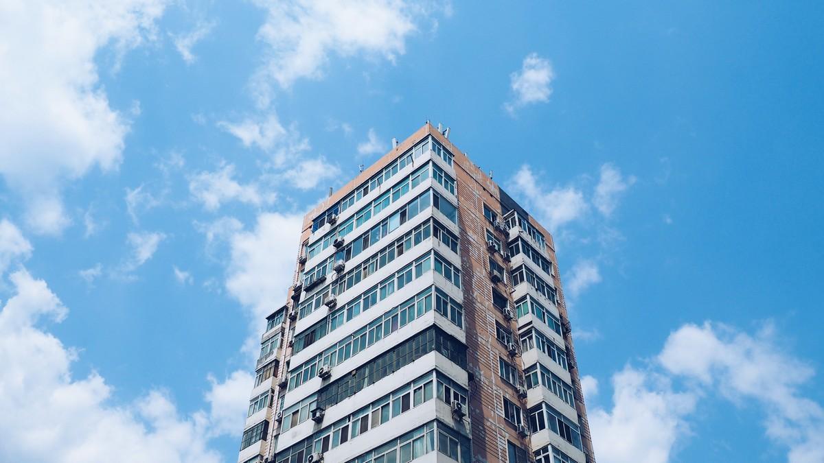Bytový dům nabízející investiční nemovitosti.