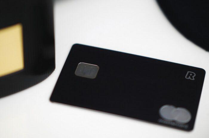 Kreditní karta Vám může posloužit, ale také ublížit