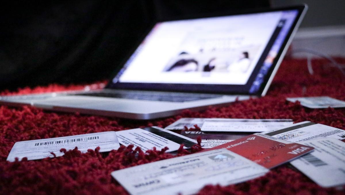 Kreditní karty, kvůli kterým je třeba udělat oddlužení.